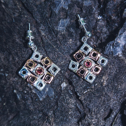 Big square garnet silver earrings, white rhodium plated, gold touched
