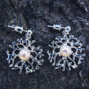 Filigree 925 silver coral branches around freshwater pearl earrings