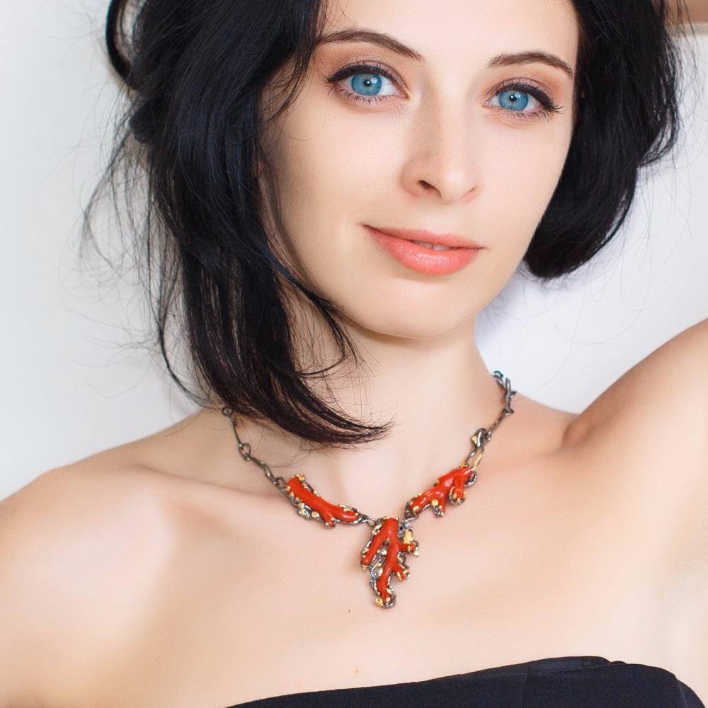 Red croatian coral 925 silver necklace with sparkling orange sapphires