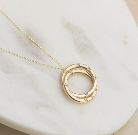 https://honeywillow.com/collections/diamond-jewellery/products/personalised-9ct-gold-double-ring-diamond-necklace