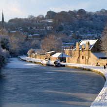 Load image into Gallery viewer, Bath in winter - Zuleika Henry