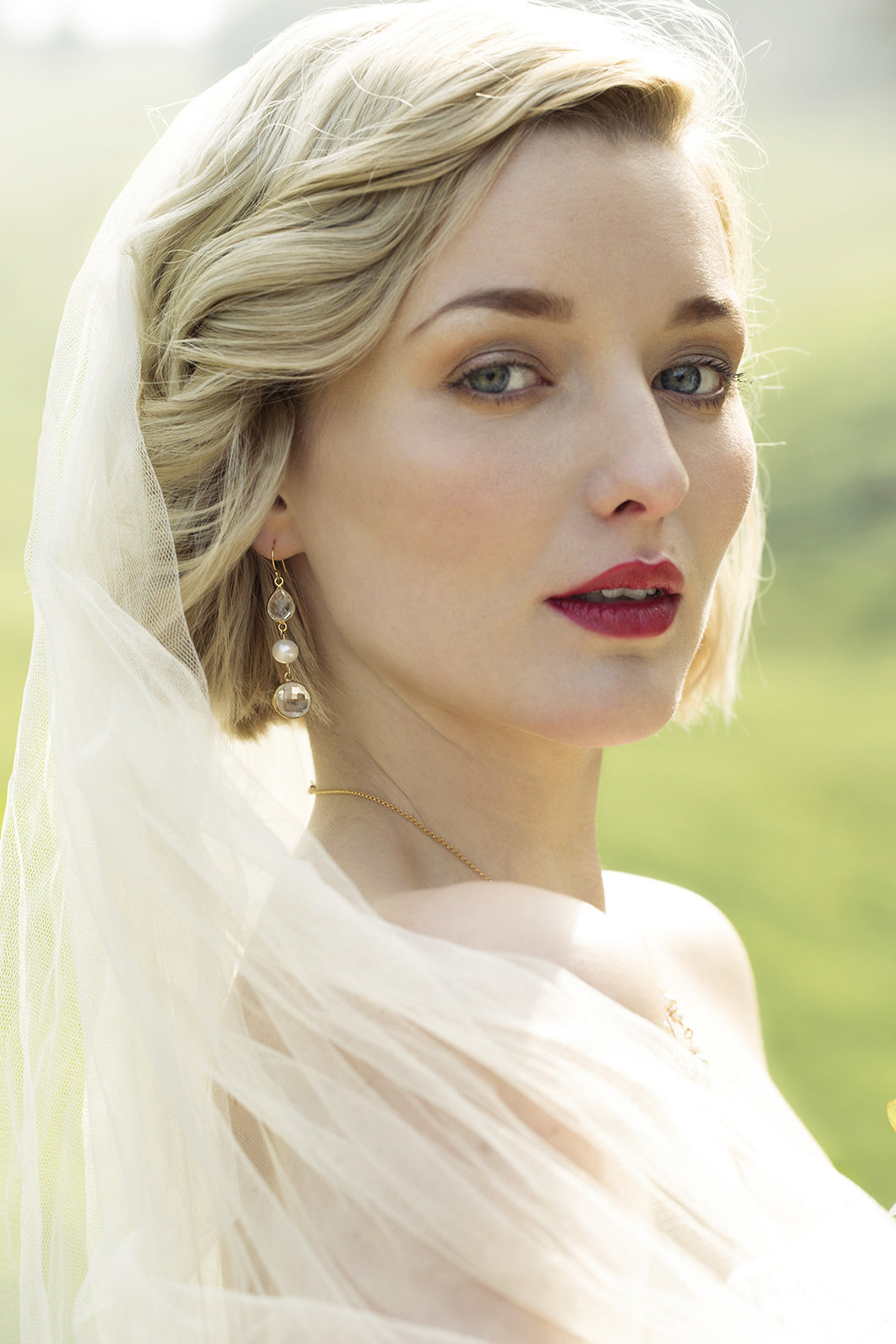 Long crystal bridal earrings | Alicia