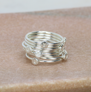 Tiny stacking initial ring silver | Isabella