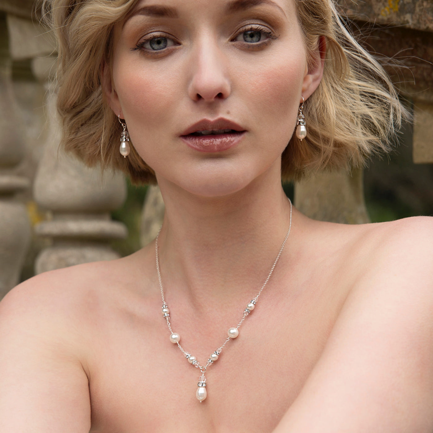 Bridal Pearl V Necklace | Vita