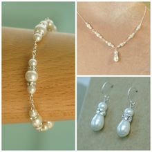 Load image into Gallery viewer, Delicate Swarovski pearl bridal bracelet | Annika