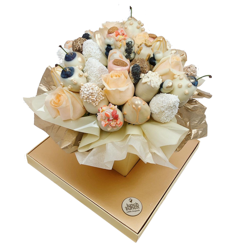 Engagement Gift, chocolate strawberries Bouquet, Romantig gift, engagement present, white chocolate bouquet, dessert gift adelaide delivery