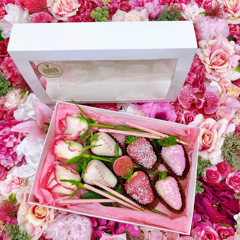 Chocolate Dipped 6 Strawberries & Roses Box