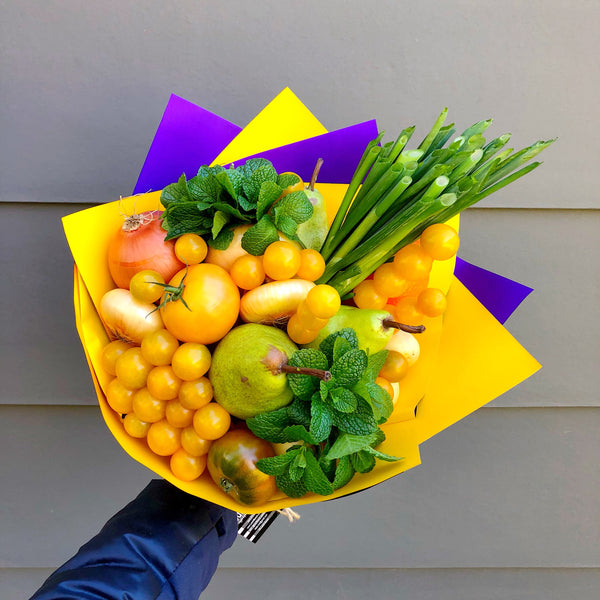 Glary Canary Veggies Bouquet