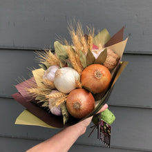 LUNCH BUNCH , EDIBLE BOUQUETS, rustic barn, veggies bouquets, onion bunch, edible bloom