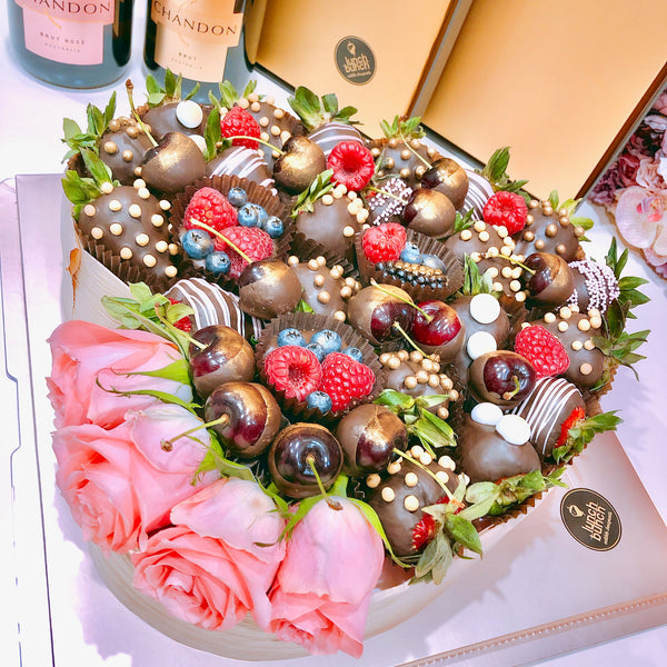 chocolate bouquets, chocolate love heart, chocolate gifts, gift baskets, hampers, flowers, christmas, valentines, mother's day, corporate gifts, gift ideas, chocolate flowers, Adelaide same day delivery, fruit bouquets
