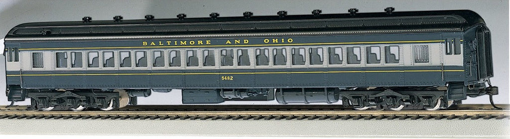 Bachmann HO 72' Heavyweight Coach, B&O/Blue/Gray/Black