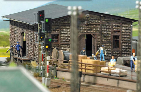 Busch HO Half-Timbered Freight Shed Busch Kit