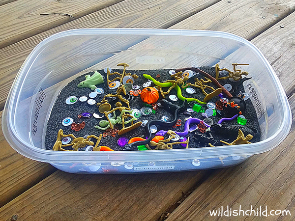 wildish child halloween sensory bin