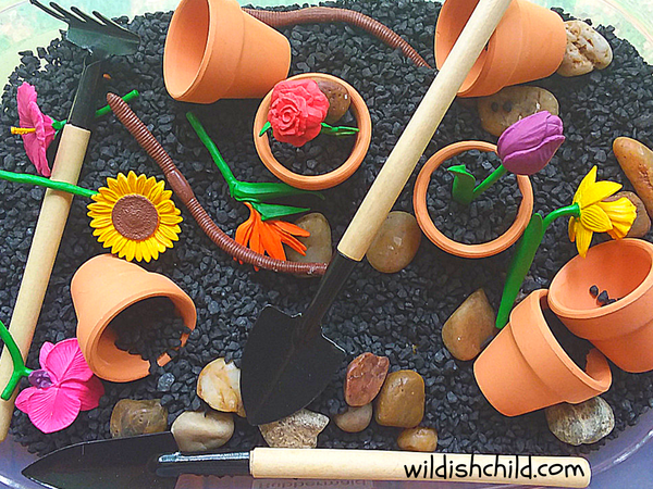 wildish child flower sensory bin