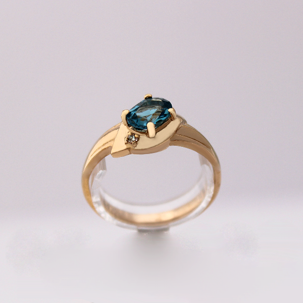 Oval Birthstone Ring - Design by Jesse