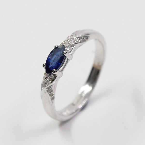 Sapphire gemstone silver ring  925 silver
