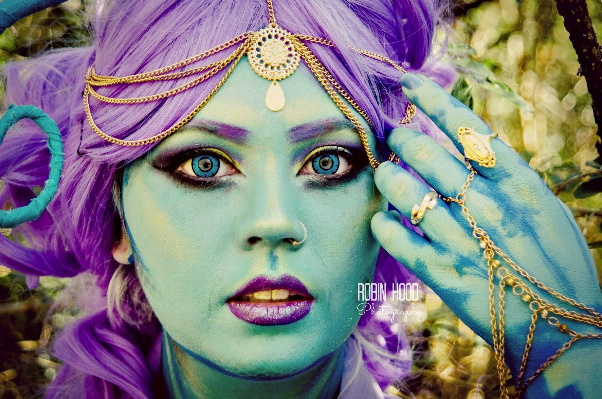 twilight-blue-lens-contacts-cosplay.jpg