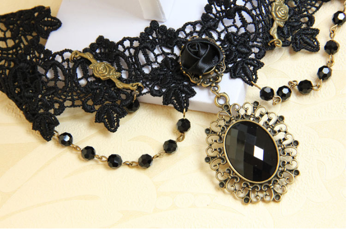 black-rose-gothic-collar-choker-9.png