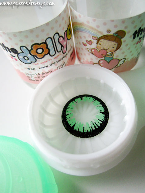bt-green-dollyeyes-lens-close-up.jpg