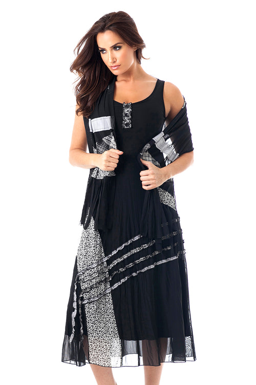 Button Pattern Maxi Dress W/ Scarf