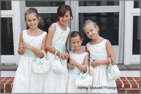 Flower Girls Holding Elsa Belle Wedding Purse
