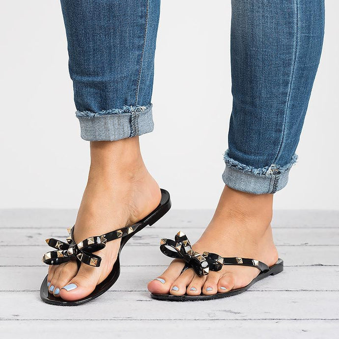 Put A Bow On It Sandals - Black