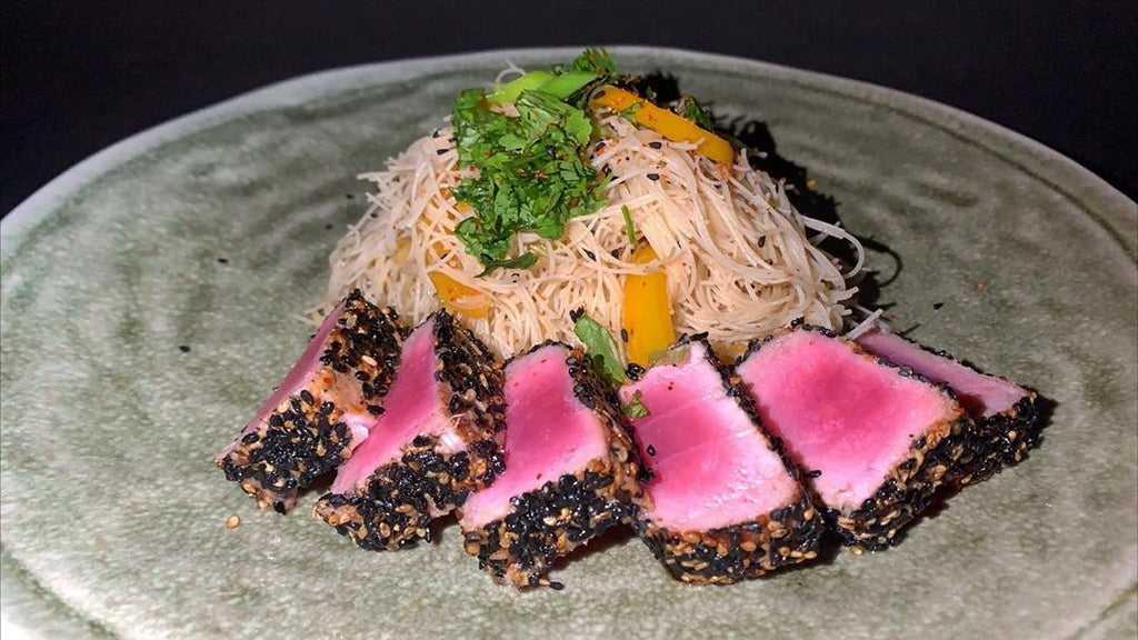 Indulge Thyself // Glass Noodles Vermicelli Topped With Seared Tuna