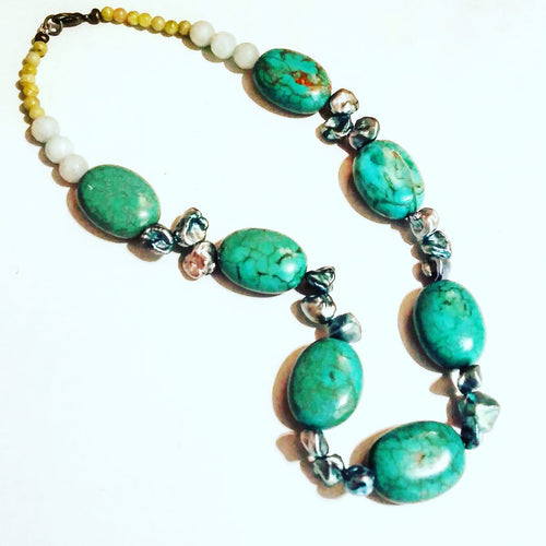 Chunky Turquoise Necklace with Freshwater Pearl (Powder)