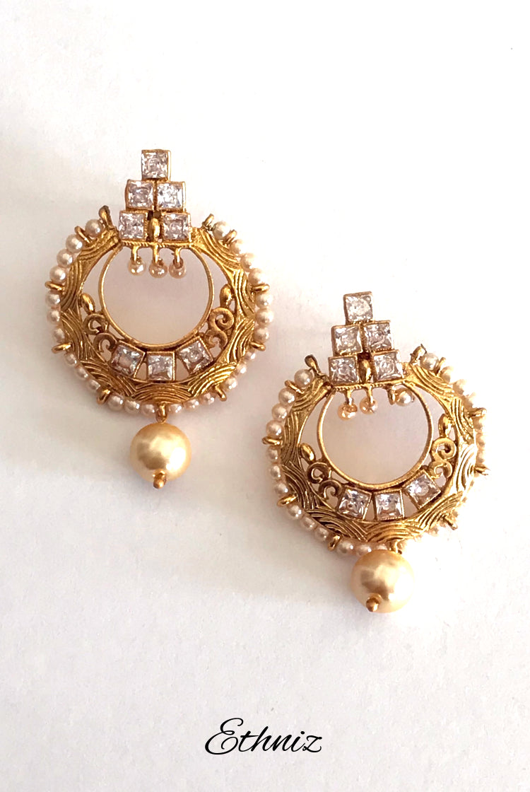 White Stone earring with moti 011
