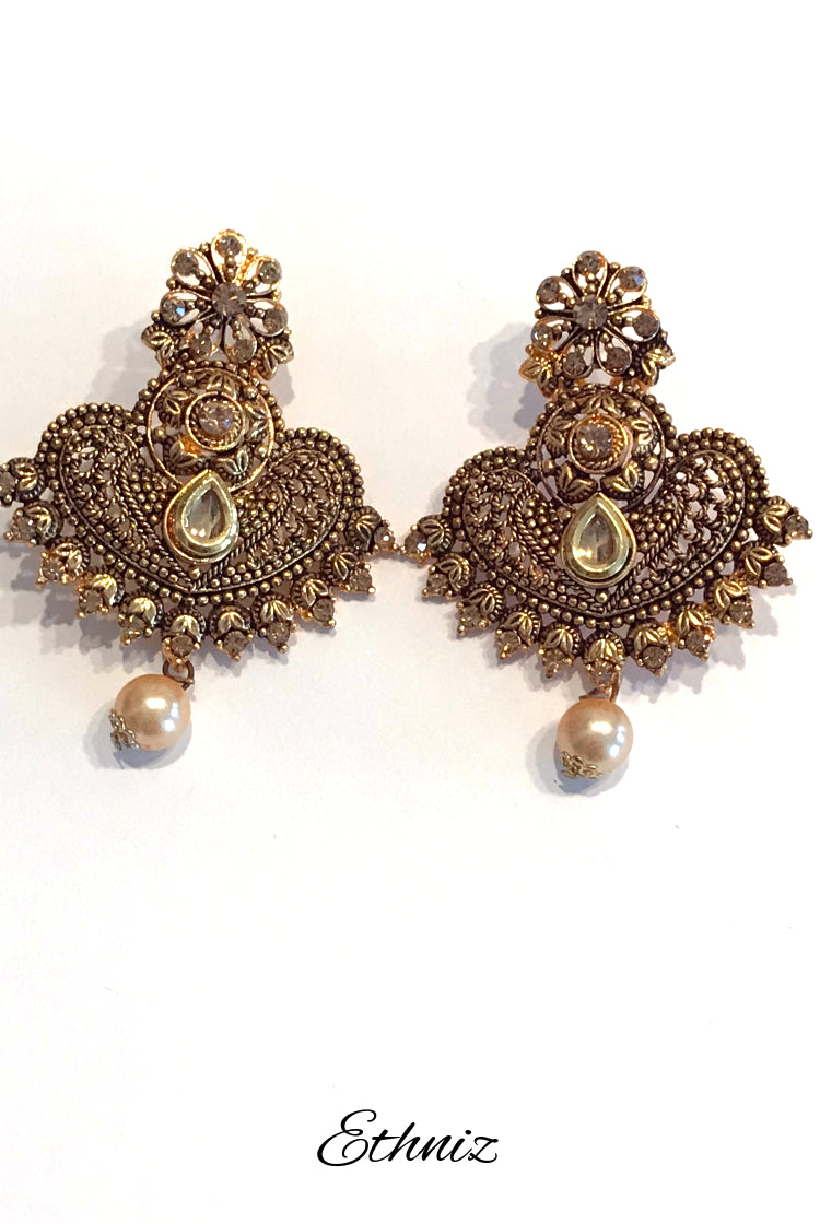 Bronze Metallic Earring with Henna Polish and self color stone