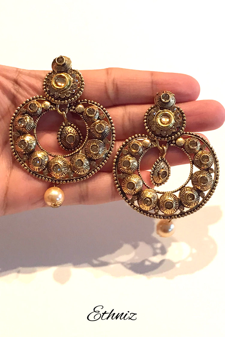 Bronze Metallic Earring with Henna Polish