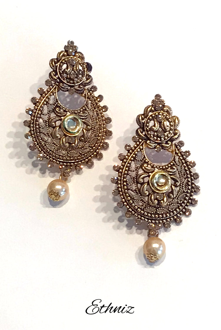 Metallic Bronze Earring with Henna Polish and self color stone