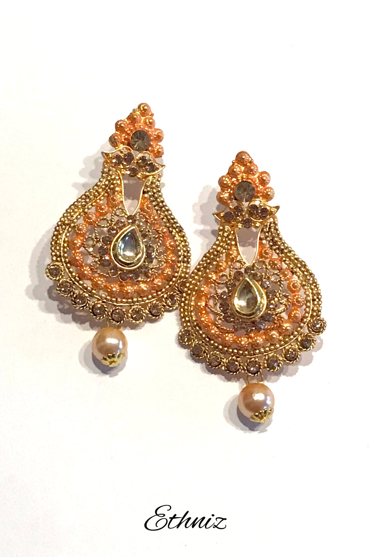 Metallic Earring with Orange color Polish