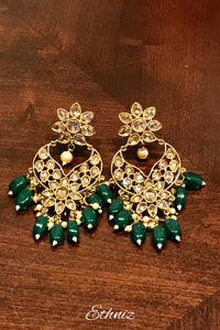 Green dangling earring with White stone 002