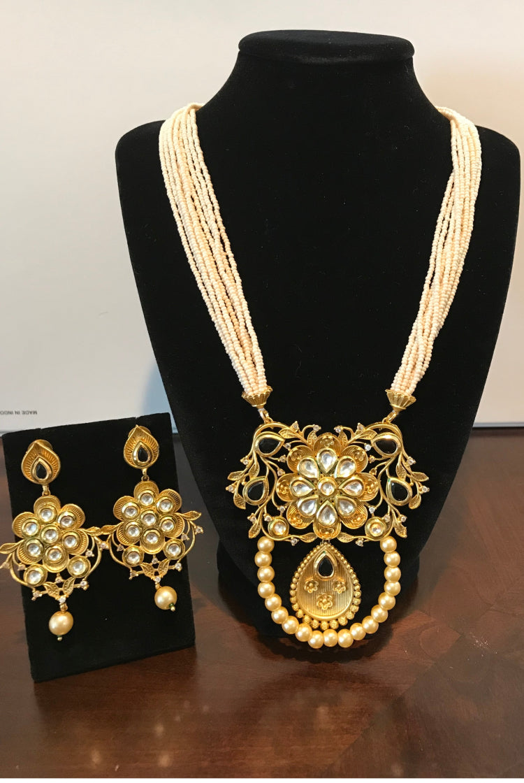 Kundan Necklace Set with Black stone & white pearl