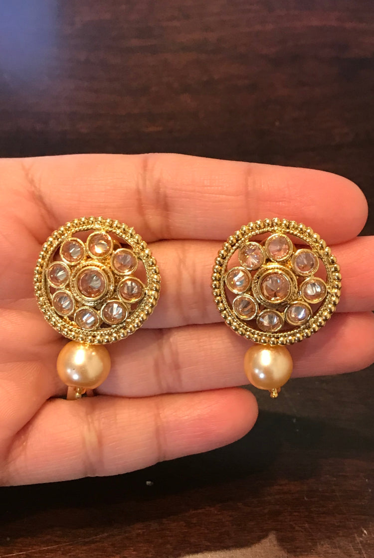 Round Shape White Red Stone Earring with Pearl