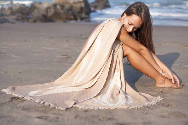 Cosy merino wool shawl in happy beige off white color leaf design -  AUROBELLE  IBIZA