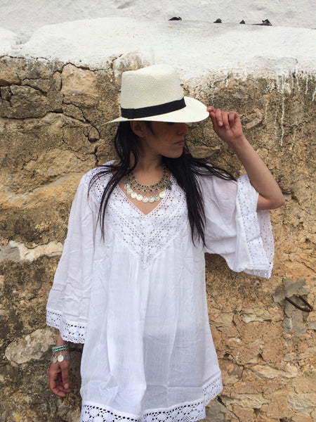 White Ibiza tunic dress in muslin cotton with exclusive lace embroidery