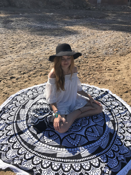 Roundie Maja cotton tapestry for beach or home