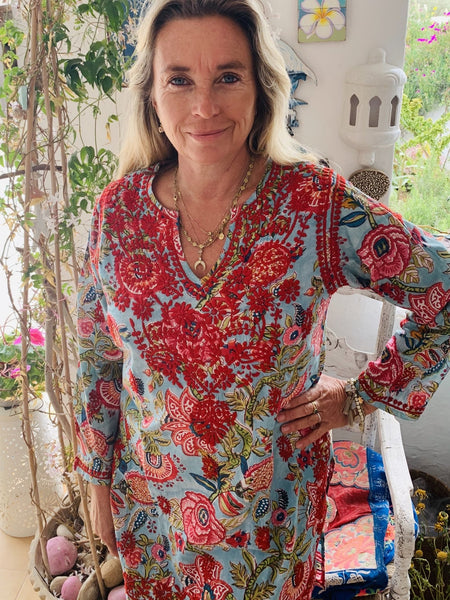 V neck kurta cotton with hand embroidery flower turquoise -  AUROBELLE  IBIZA