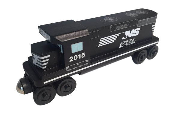 Whittle Shortline Railroad Norfolk Southern GP-38 Diesel Engine Wooden Toy Train