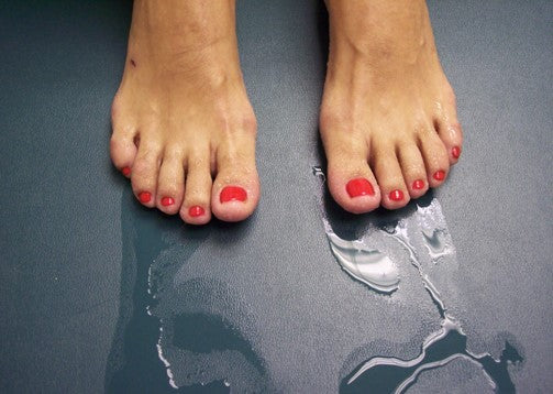 DO YOUR FEET ALSO SWEAT MORE THAN USUAL IN WINTERS?