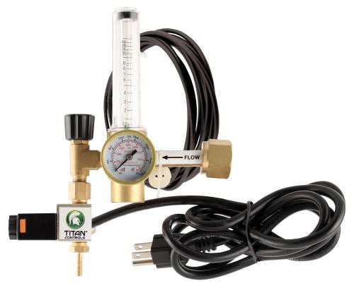 Titan Controls CO2 Regulator (10/Cs)