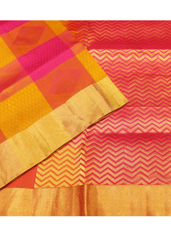 Checked Light weight Kanchipuram Silk Saree
