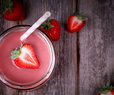 Strawberry-Goji Happiness Smoothie