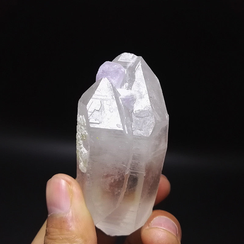 110.6g purple Fluorite quartz crystal