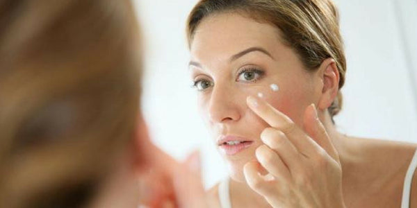 ARE YOU APPLYING YOUR DAILY MOISTURIZER PROPERLY?