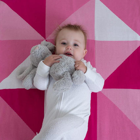 BABY BLANKET - KNITTED COTTON - Pink Triangles
