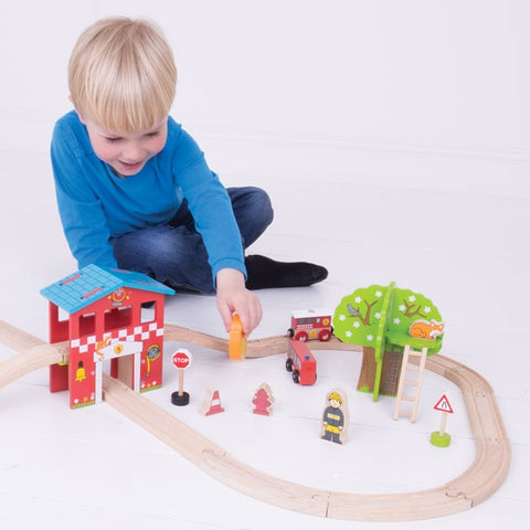 Bigjigs Toys - Fire Station Train Set