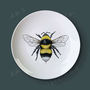 Porcelain Decorative Plate Wall Hanging Plate with Insects